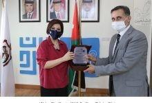 Photo of وزيرة السياحة تكرم موظفي الوزارة المتميزين بتقرير المتسوق الخفي
