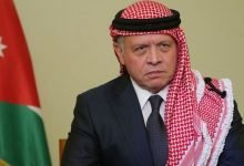 صورة الملك يعزي خادم الحرمين الشريفين بوفاة الأمير نواف بن سعد بن سعود بن عبدالعزيز